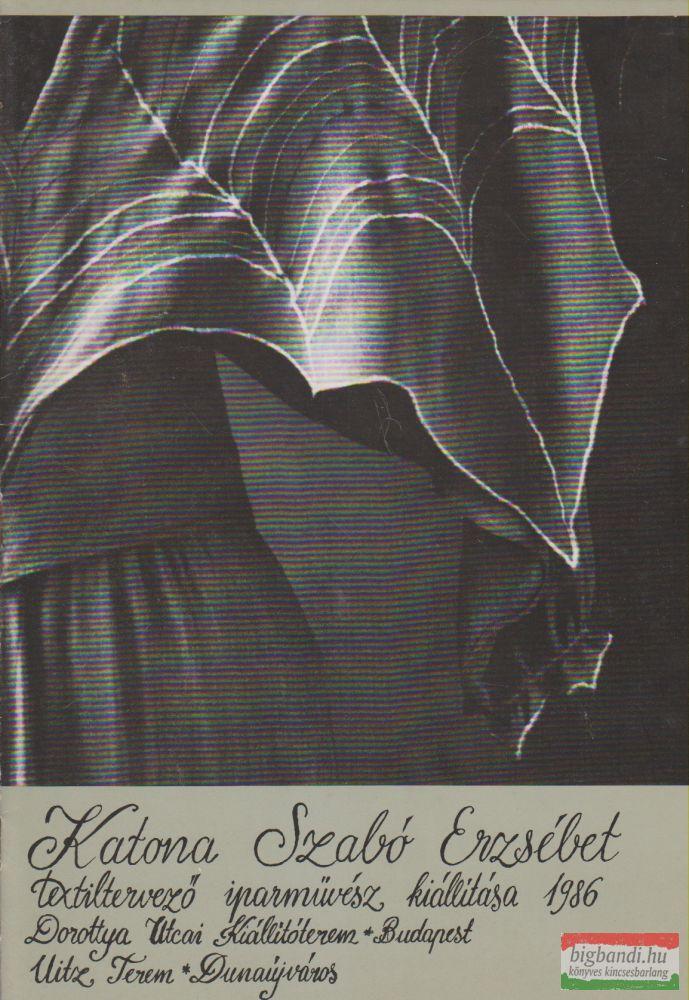 Katona Szabó Erzsébet textiltervező iparművész kiállítása 1986