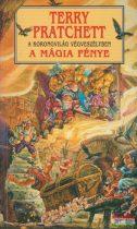Terry Pratchett - A mágia fénye