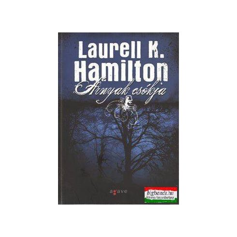 Laurell K. Hamilton - Árnyak csókja